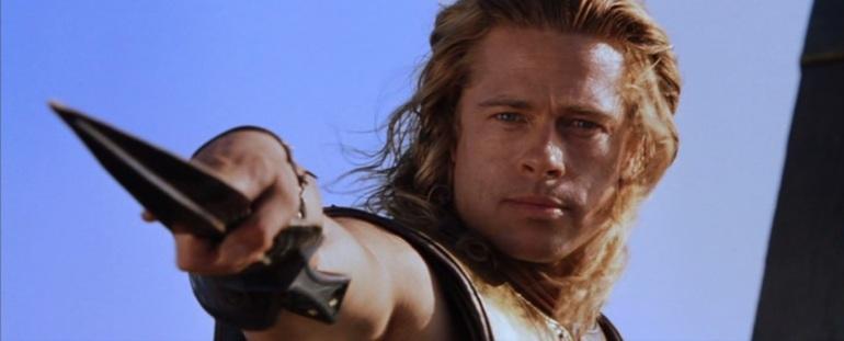 Brad Pitt (Achille) in una scena del film Troy, 2004 - da Wikipedia