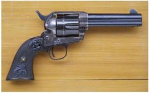 Colt Peacemaker in uso nel periodo in cui è ambientato il fumetto - da Wikipedia