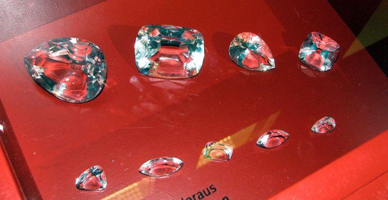 Copie dei nove maggiori pezzi in cui è stato tagliato il Cullinan. - da Wikipedia